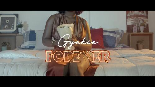 Video: Gyakie - Forever