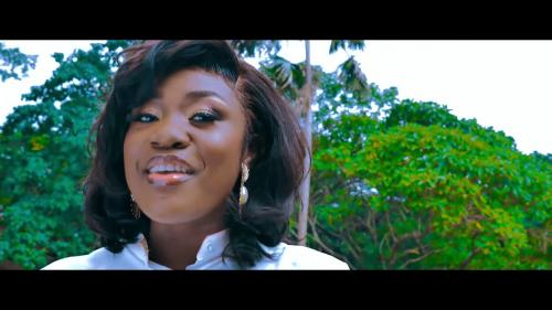 Emelia Brobbey ft Prince Bright - Fa Me Kor [Remix] (Official Video)
