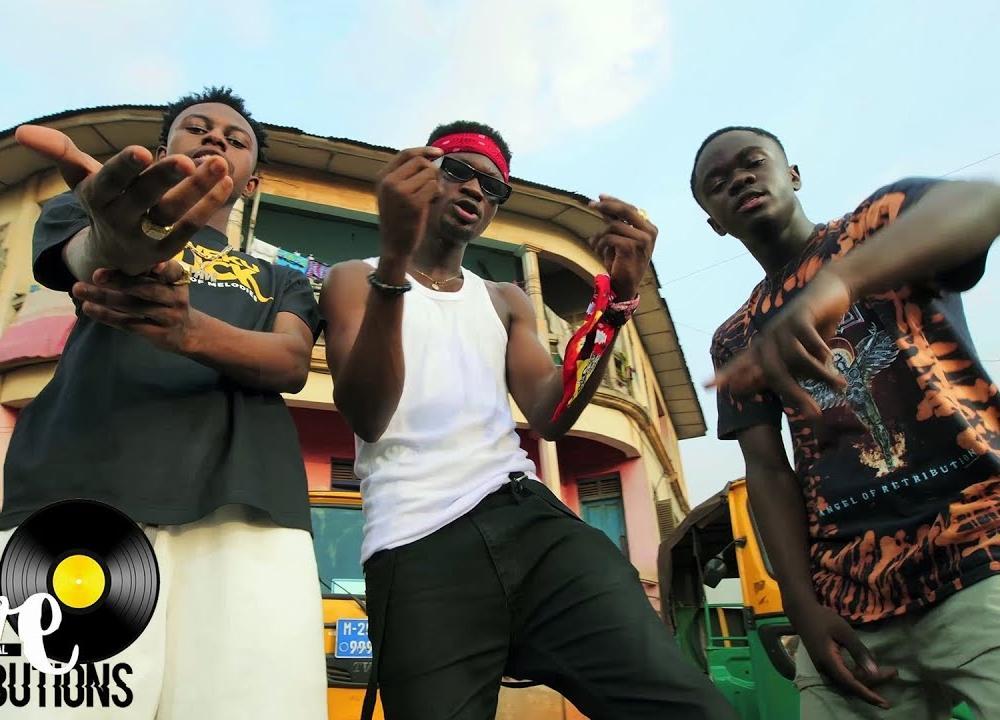 Kweku Darlington - Sika Aba Fie ft. Yaw Tog & Kweku Flick (Official Video)