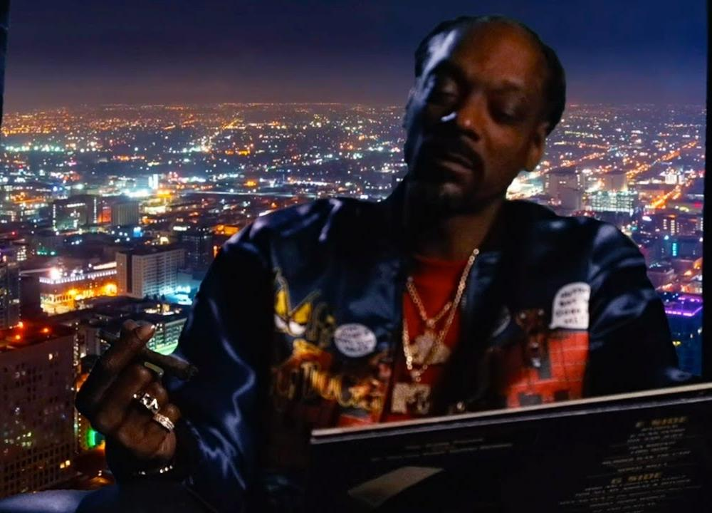 Snoop Dogg - Look Around feat. J Black (Official Video)